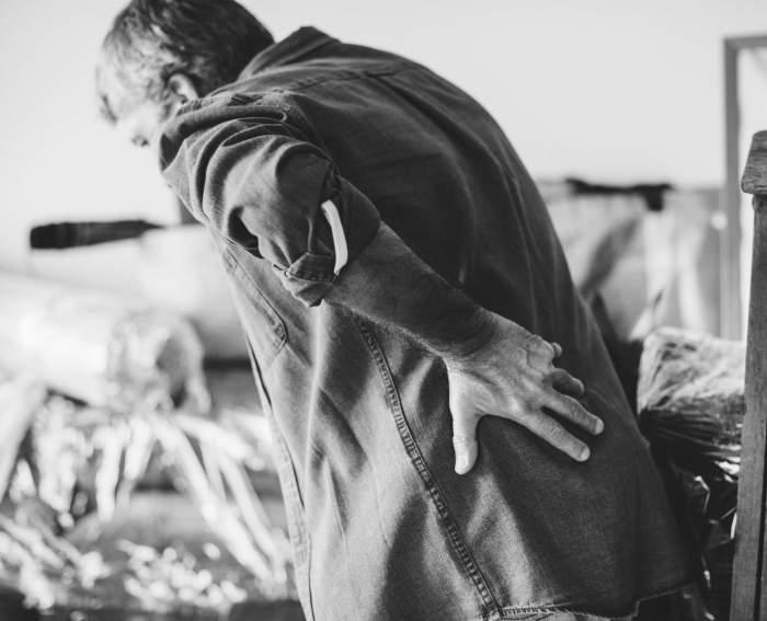 Mare atenție! Ai aceste dureri de spate? Pot fi simptomul unei forme grave de cancer!