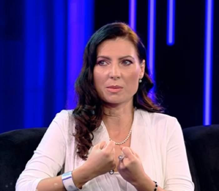"""Angelica Cadar nu vrea să renunţe la copilul pe care îl are cu Călin Geambaşu: """"Am ajuns la capătul puterilor"""". VIDEO"""