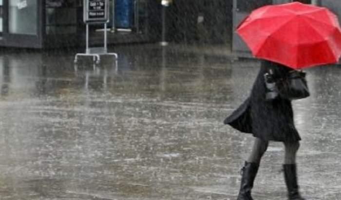 Veşti proaste din partea meteorologilor! A fost emisă o informare meteo de ploi pentru întreaga ţară