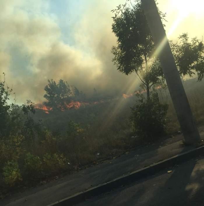 UPDATE. Incendiul care s-a produs în această după-amiază în Bucureşti a fost stins