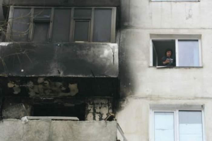 Explozie puternică la un apartament din Piteşti. O persoană a fost grav rănită