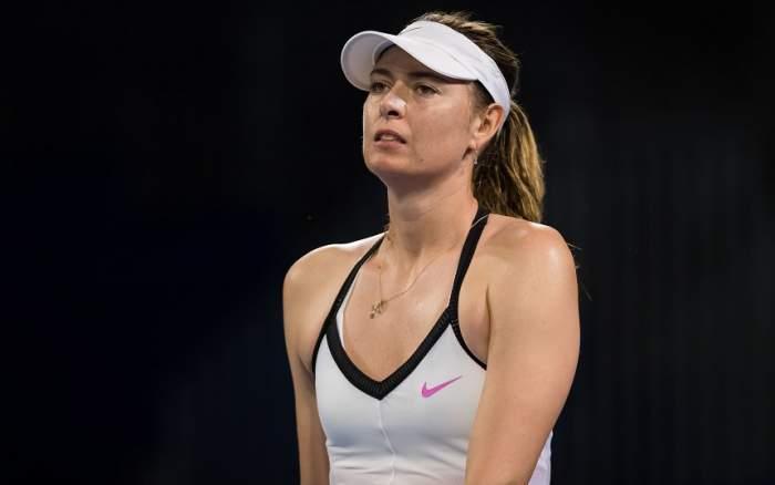 Alertă înainte de Australian Open! Maria Sharapova a abandonat un meci demonstrativ,  după ce a fost intoxicată cu fum!