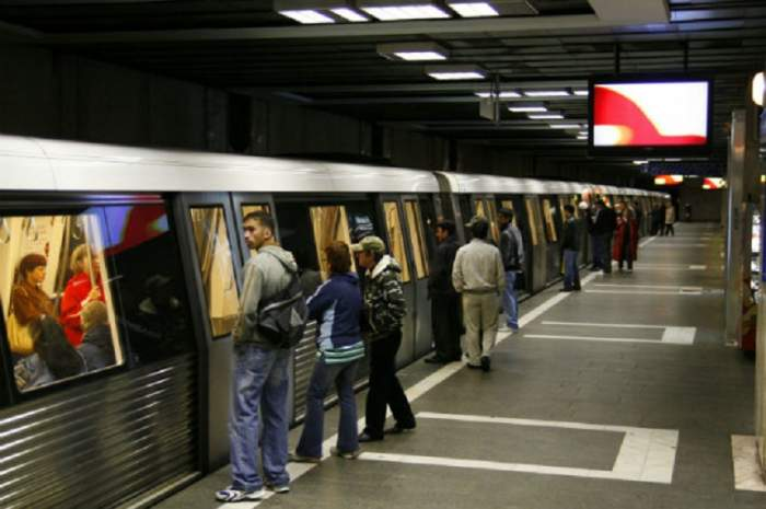 Un bărbat a vrut să se sinucidă, în urmă  cu puțin timp, la stația de metrou Păcii
