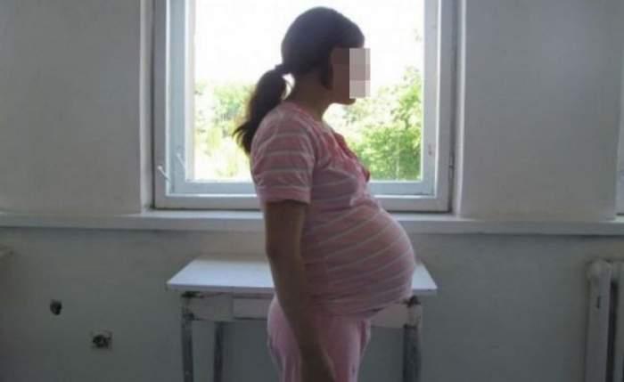 O copilă de 13 ani a rămas însărcinată după ce un tânăr de 27 de ani, cu patru clase, i-a promis că o ia de nevastă