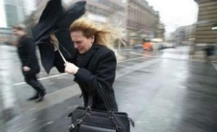 ANM a emis un cod galben de vânt pentru 25 de judeţe, valabil până în seara zilei de 23 ianuarie