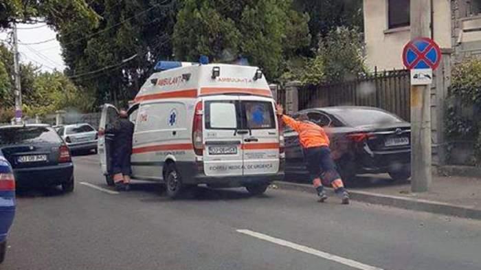 Necazul lovește de două ori. Bărbat din Suceava, înjunghiat de cel care încerca să îi violeze soția