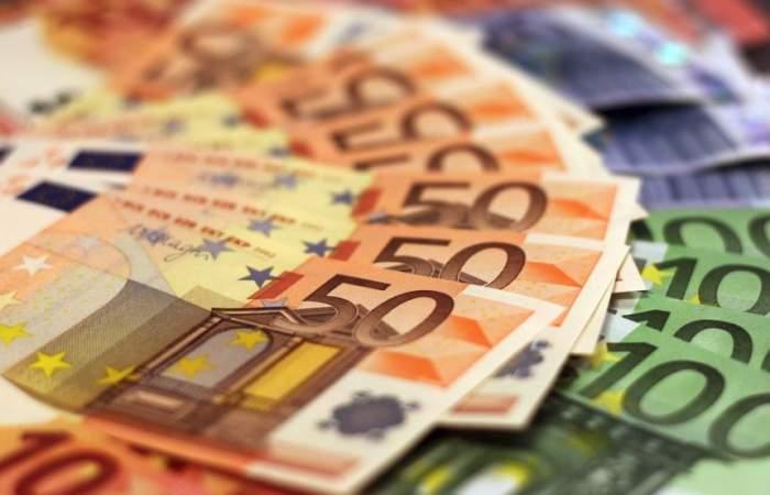 Curs valutar BNR, astăzi, 23 de ianuarie. Ce valoare au euro, dolarul şi lira sterlină