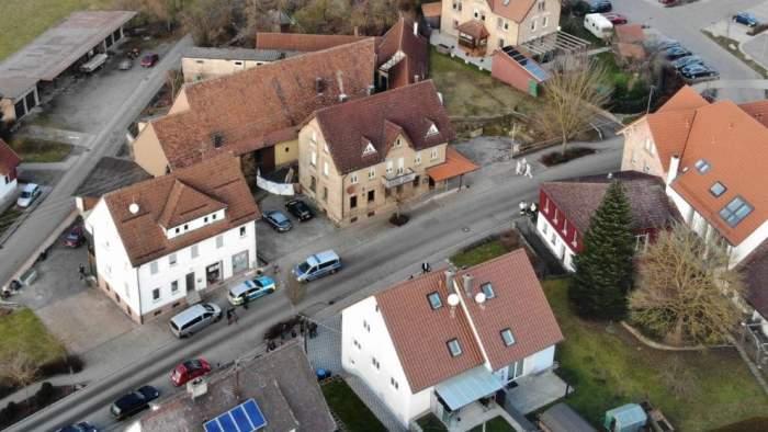 Măcel în Germania! Un bărbat şi-a ucis părinţii şi alte 4 rude