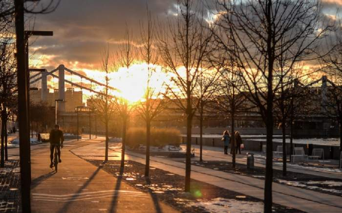 Vremea în București duminică, 26 ianuarie. Temperaturi neobișnuit de ridicate și mult soare pe cer