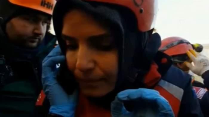 Cutremurul din Turcia. Mamă îngropată timp de 17 ore sub dărâmături, găsită datorită telefonului