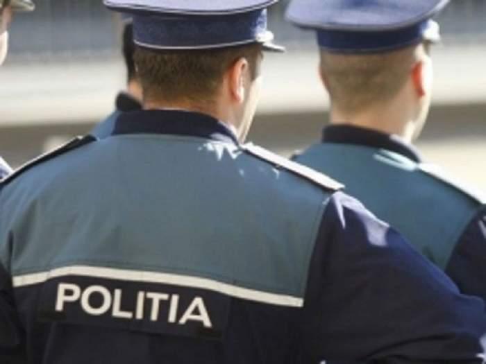 Un poliţist din Maramureş a lovit cinci elevi în cancelaria şcolii. Directoarea unităţii de învăţământ era şi ea prezentă