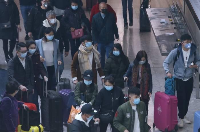 Cetăţenii europeni, evacuaţi de urgenţă din Wuhan. Virusul se extinde incontrolabil