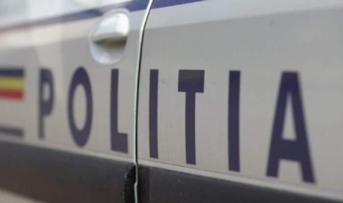 Sechestrat într-o maşină, un tânăr din Botoşani a recurs la un gest care îi putea fi fatal