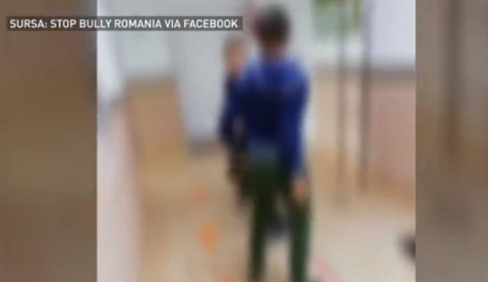 Captură filmare cu o bătaie la o școală din Suceava, 10 octombrie 2020