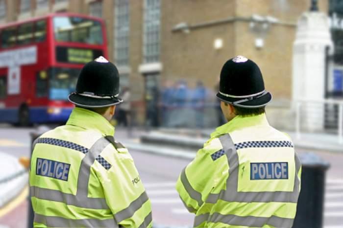 Imagine ilustrativa cu politisti englezi