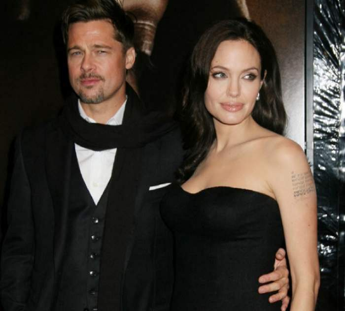 Angelina Jolie si Bradd Pitt sunt la un eveniment formal, imbracati la 4 ace
