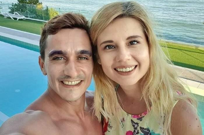 Marian Drăgulescu și iubita lui, Simona, se află la mare. Cei doi zâmbesc larg.