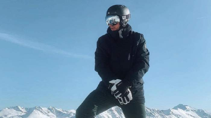 Nicklas Bendtner la ski în echipament