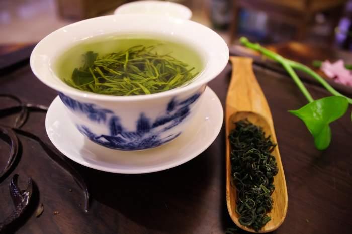 Ceaiul verde este foarte bun în dietele pentru slăbit și pentru eficientizarea capacității cerebrale