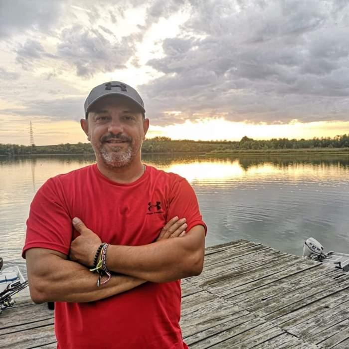 Sorin Bontea s-a fotografiat la pescuit