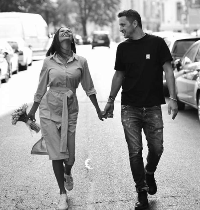Denisa Hodisan si Flick se tin de mana pe strada si rad
