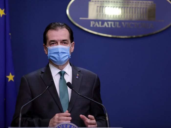Ludovic Orban purtând mască