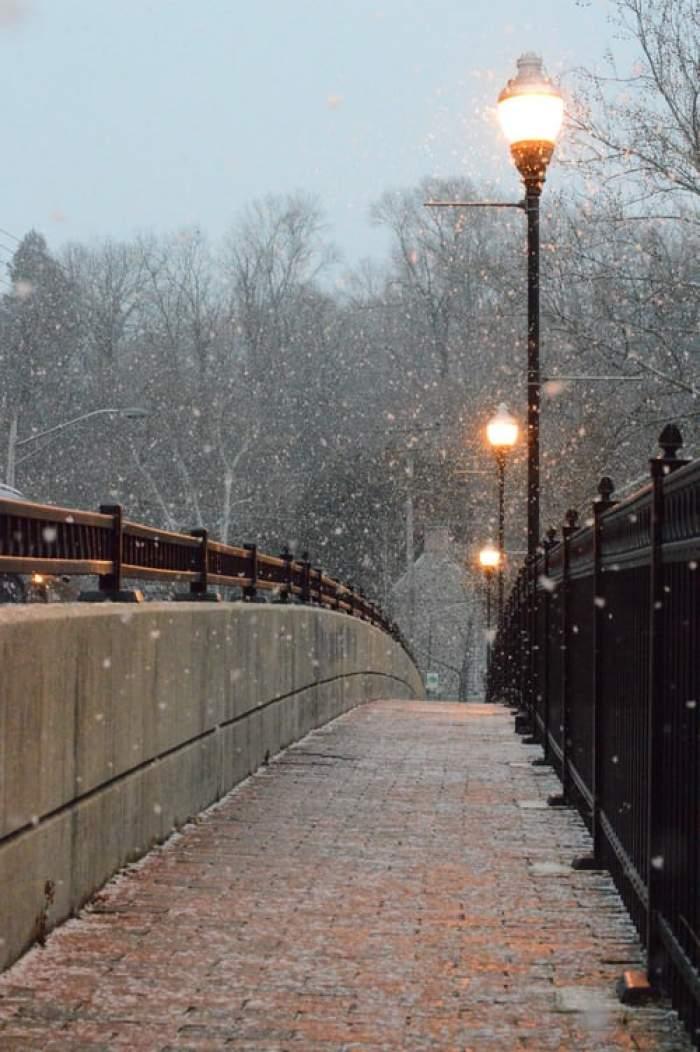 Iarna își intră în drepturi. Unde sunt anunțate ninsori