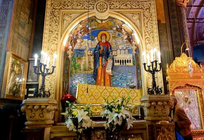 Cum s-a desfășurat pelerinajul la racla Sfântului Dimitrie cel Nou din București! Peste 30.000 de enoriași au participat la eveniment