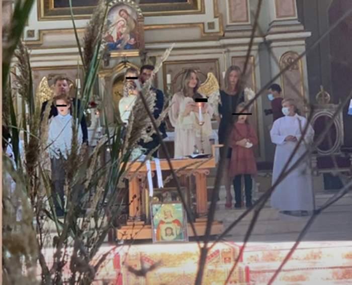 Primele imagini de la botezul celei de-a doua fiice a Laurei Cosoi! Slujba a început în urmă cu scurt timp!
