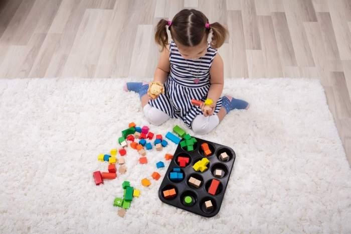 O fetiță de trei ani a murit, după ce a luat din greșeală din drogurile tatălui!
