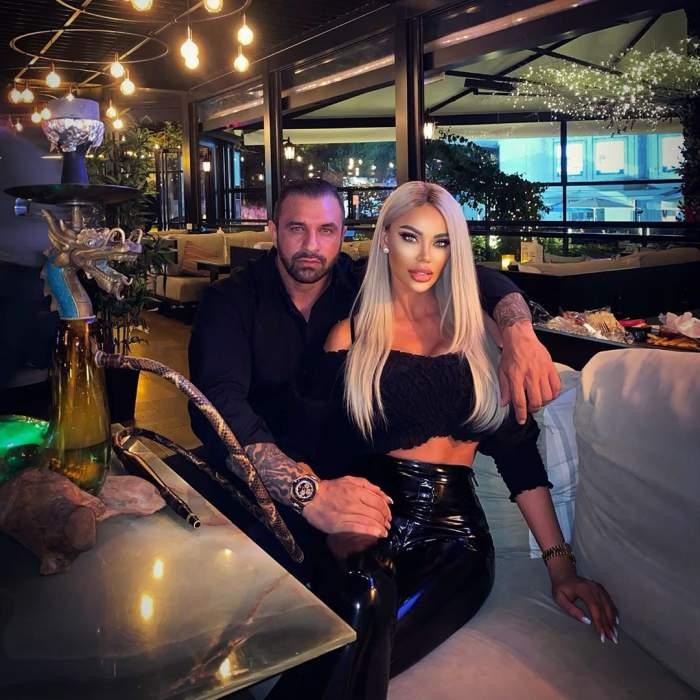 Bianca Drăgușanu și ALex Bodi s-au fotografiat îmbrățișați într-un restaurant