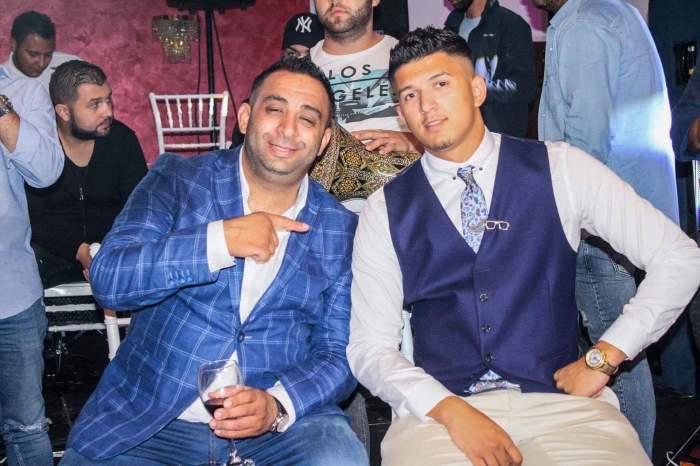 Emi Pian și fiul lui, Aly Pian, la costum.