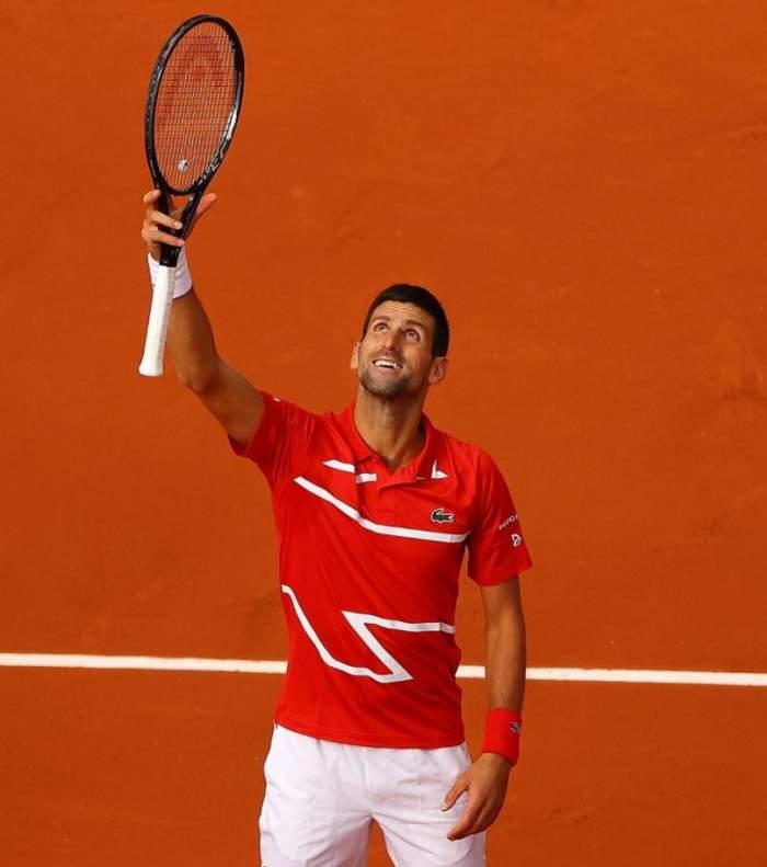 Novak Djokovic a lovit încă un arbitru cu mintea