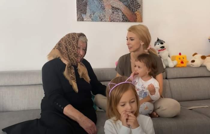 Andreea Bălan acasă cu bunica și fiicele