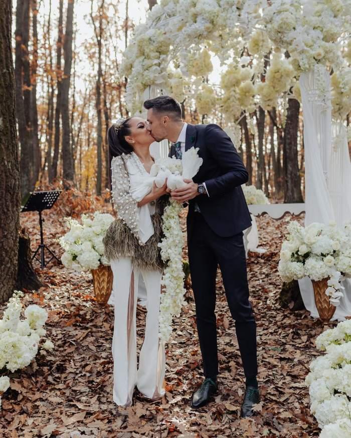 Vlăduța Lupău și Adi Rus au fost fotografiați săruntându-se în ziua nunții lor