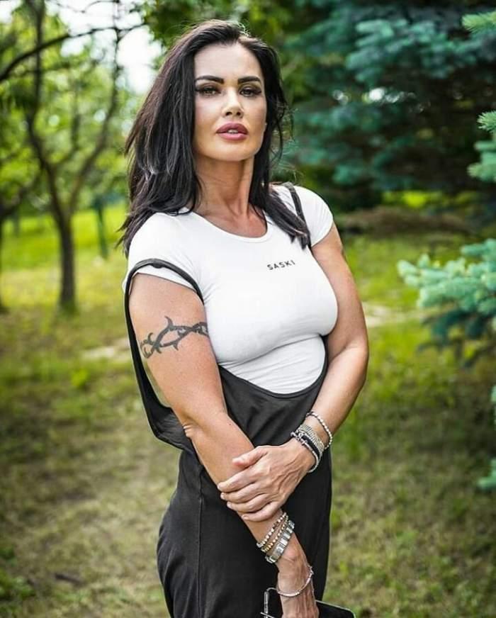Oana Zăvoranu sedinta foto.