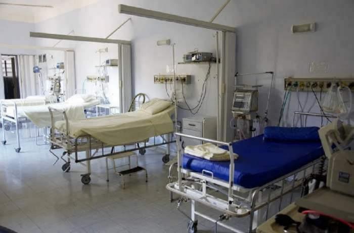 Imagine cu paturi de spital, goale