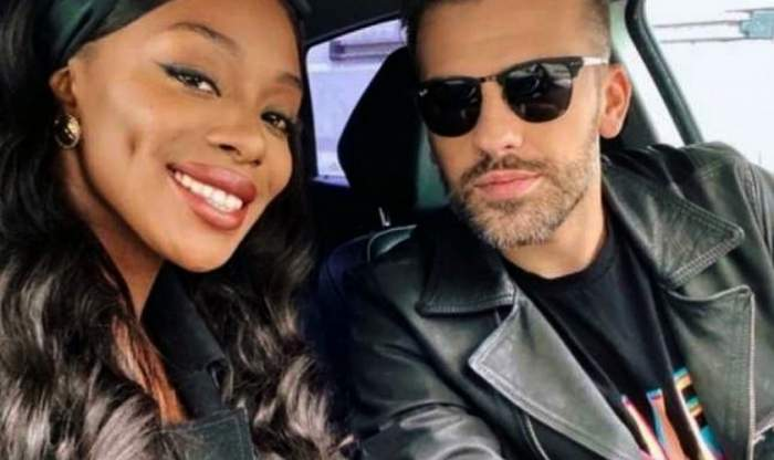 Naomi și Florin Ristei s-au fotografiat in masina.