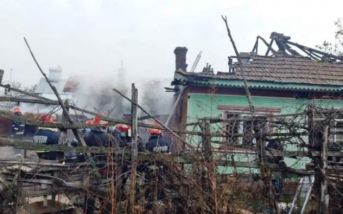 Tragedie în Dâmbovița! O bătrână a ars de vie în propria locuință