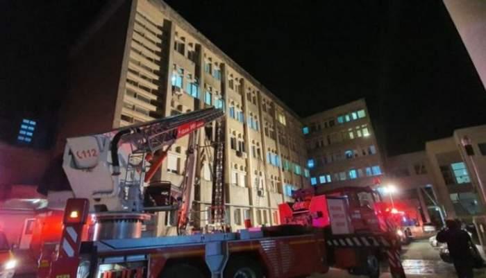 Încă o unitate medicală a luat foc, în această dimineață! Pacienții unui spital din Cluj-Napoca au fost evacuați de urgență