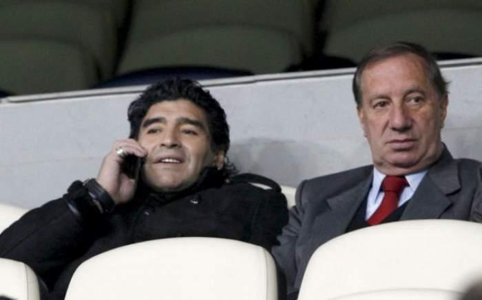 Diego Maradona, alături de Carlos Bilardo, fostul lui antrenor