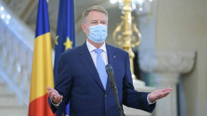 Klaus Iohannis cu masca de protecție la gură!
