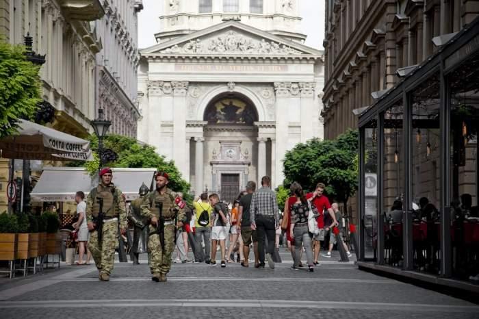 Ungaria închide barurile și restricționează circulația pe timpul nopții. Școlile rămân deschise