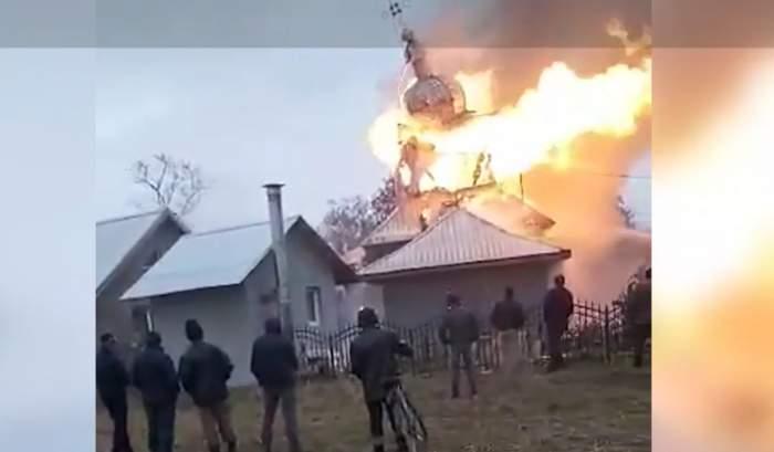 Biserica care a luat foc