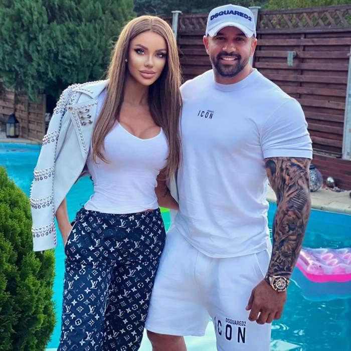 Bianca Drăgușanu și Alex Bodi la piscina.