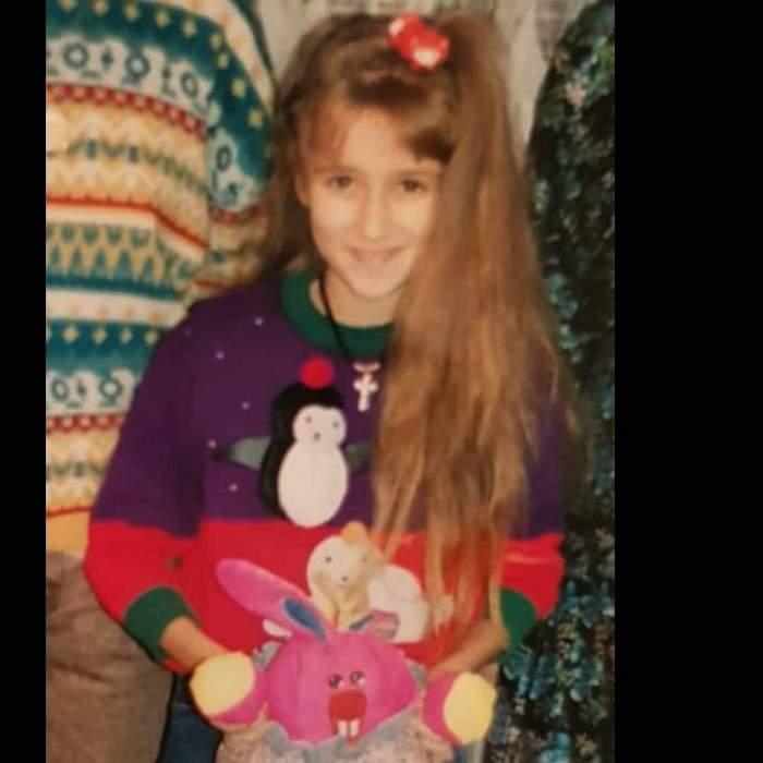 Așa arăta Raluca Tănase în copilărie: șatenă, cu părul lung și timidă
