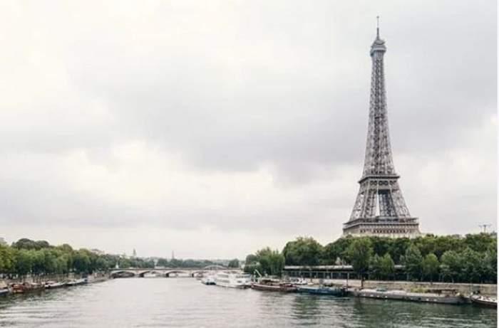 Imagine ilustratuva cu Turnul Eiffel