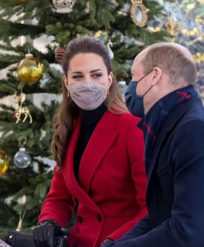 Greșeala incredibilă a lui Kate Middleton! Ce a scris ea într-un mesaj adresat muncitorilor în transporturi / FOTO