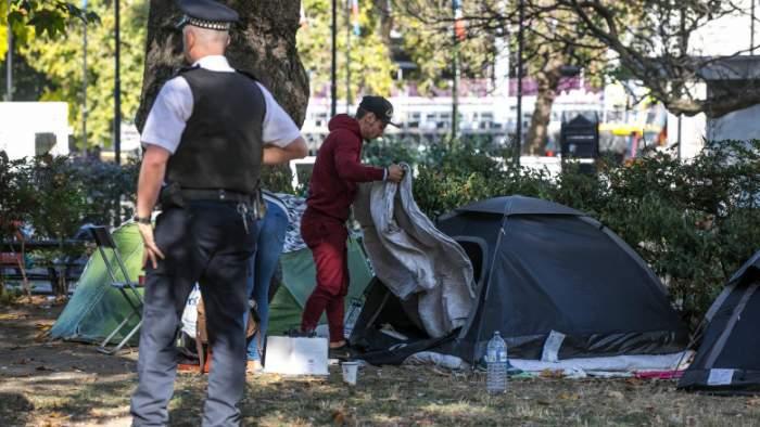 Două românce și-au deschis un bordel ilegal lângă o școală din Londra. Cum au reacționat autoritățile
