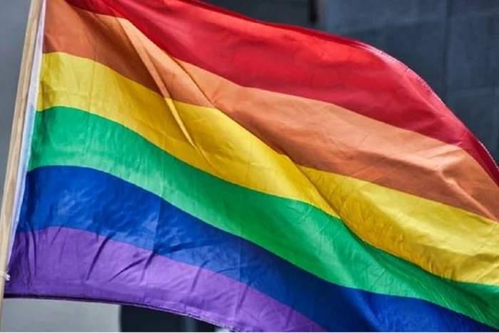 Care este diferența între transgender și transsexual